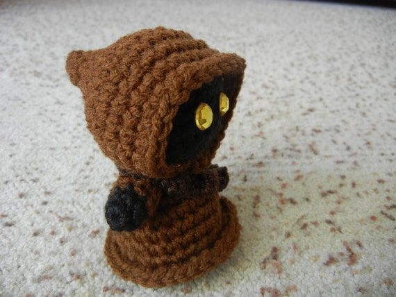 Crochet Patterns Star Wars : Star Wars Jawa Amigurumi Doll Crochet Pattern by JanaGeek on Etsy