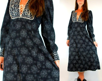 Bohemian Calico Renaissance. Boho Hippie Floral Peasant Lace Up Poet Sleeve Maxi Dress. Vintage 70s Blue Black Embroidered Yoke Prairie XS/