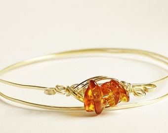 Amber bangle bracelet, hammered gold filled wire bracelet, real amber stacking jewelry