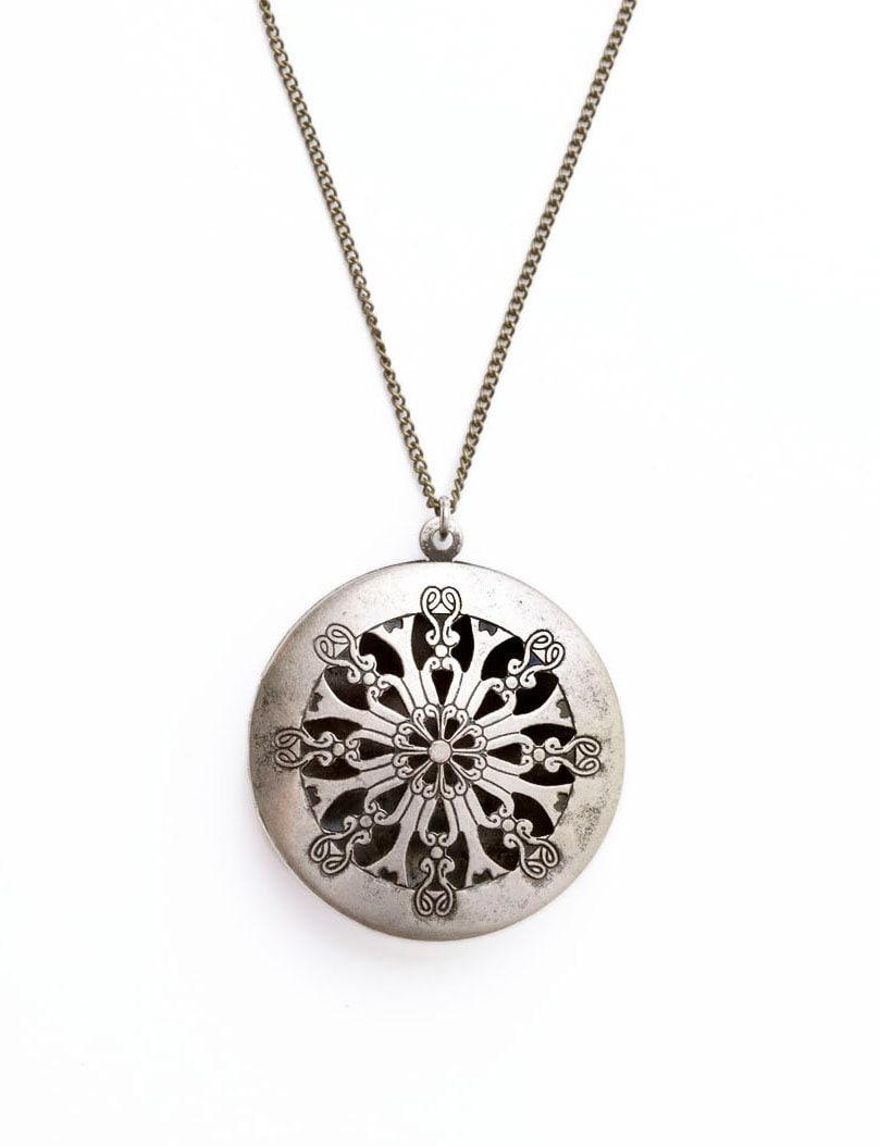 silver filigree locket necklace long antique silver. Black Bedroom Furniture Sets. Home Design Ideas