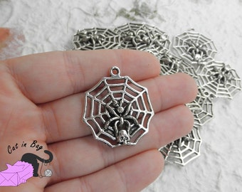 4 Charms with cobweb, spider and skull - antique silver tone - SP42