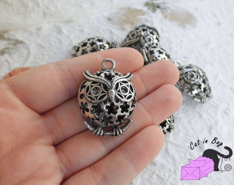 1 Charm with owl (3D) - antique silver tone - SP44