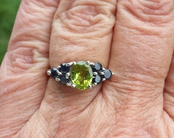 peridot sapphire ring size 7 1/2 1970's 2ct genuine natural gems FANTASTIC COLOR and SPARKLE state vintage sterling art deco ring