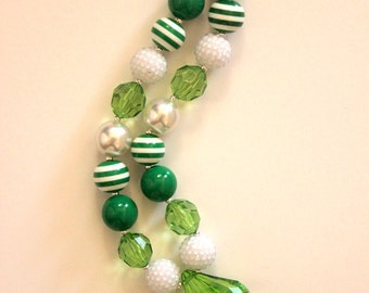chunky bead necklace green and white St Patricks Day bubblegum bead necklace girls chunky bubblegum necklace birthday bubblegum bead chunky