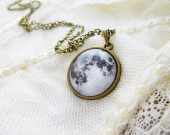 Moon Necklace, Full Moon Necklace, Solar System Necklace, Planet Necklace, Galaxy Necklace, Solar System, Astronomy, Space Necklace