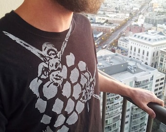 Hive Upcycled T-shirt - Bees