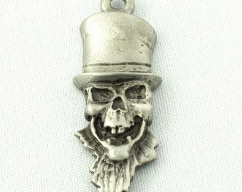 5 Top Hat Wearing Skull Pendants/Charms