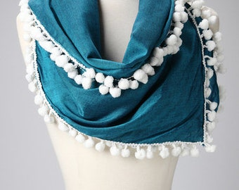 Pom Pom Scarf - Green with White Lace on all sides