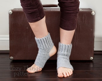 Download crochet pattern #004 - Women Yoga socks, ballet, jazz, dance socks, leg warmers - pdf tutorial