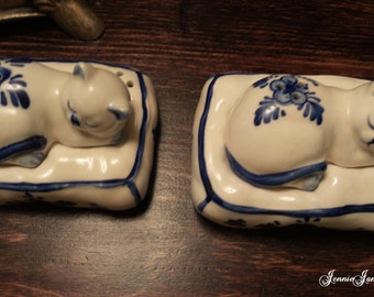 Salt & Pepper Shakers by Delft Blue©