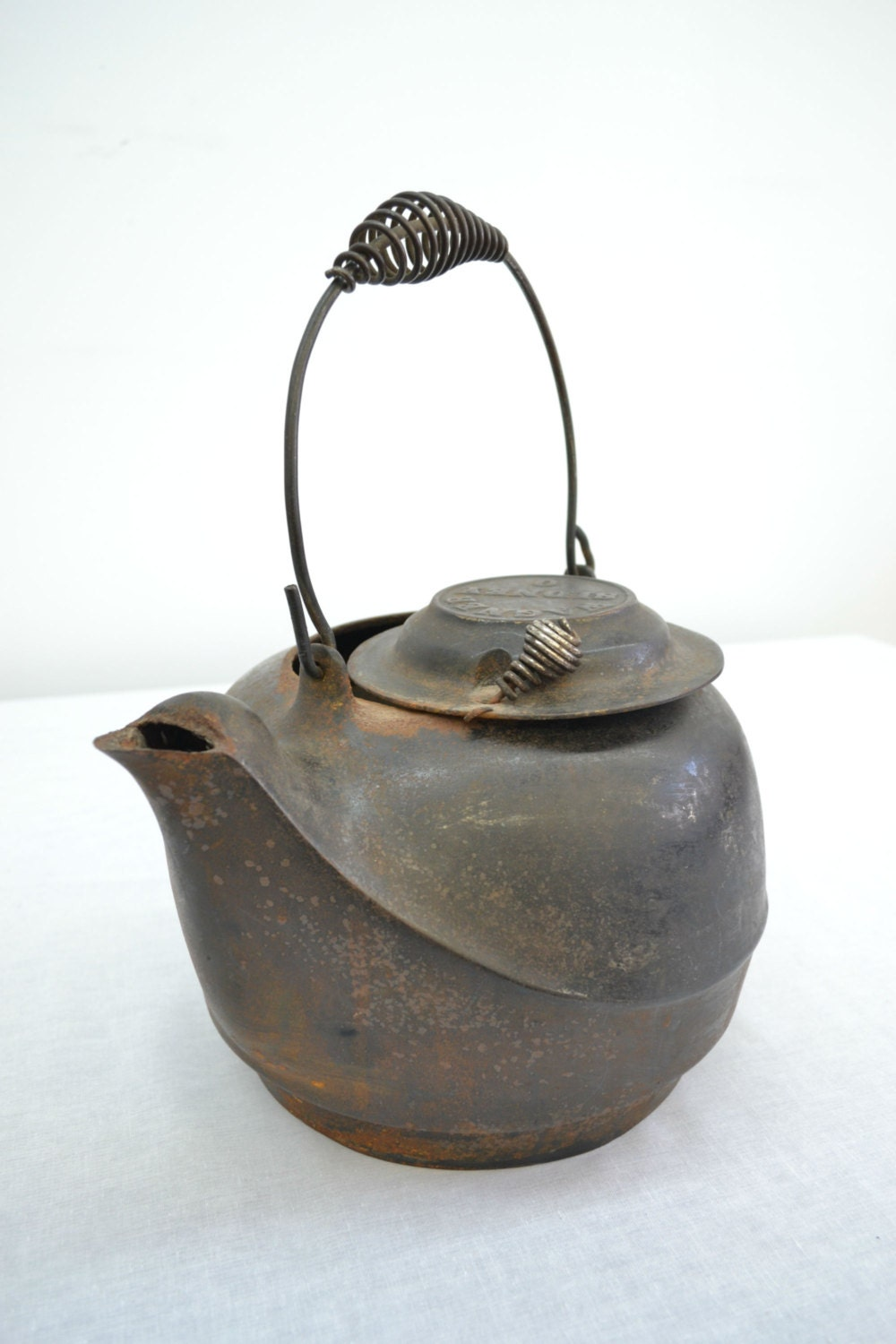 Kettle Cast Iron ~ Antique cast iron kettle wagner sidney large