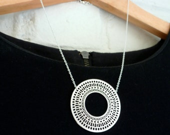 Necklace ethnic circle, Fine chain