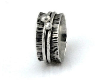 Hammered Silver Spinner Ring, Two Dotted Bands, Wood Grain Meditation Ring, Fidget Ring, Wide Band Ring