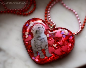Resin Jewelry, Red Heart Necklace, Glitter Heart Pendant, Cat Lover, Resin Heart Necklace, Candy Hearts, Striped Cat, Tiger Kitten, isewcute