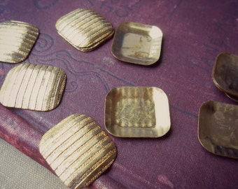 vintage brass striped square findings - 12 pcs - charm stamping ribbed dapped vintage jewelry finding