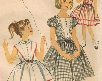 1960s Simplicity 3372 Vintage Sewing Pattern Girls Party Dress, Full Skirt Dress Size 8