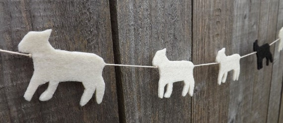 Lamb Garland, Felt Garland, Garland,  Spring Lamb, Little Lamb, Spring Bunting, Easter garland, Baby Shower gift, Home Decor, Spring banner