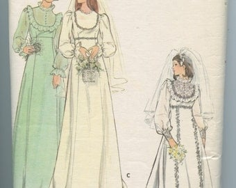 1970s Vintage Sewing Pattern Butterick 4887 Wedding Dress and Bridesmaid Gown Bust 32.5