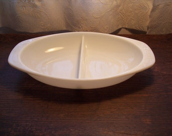 Vintage Pyrex divided serving dish in white large white Pyrex dish 1 1/2 QT