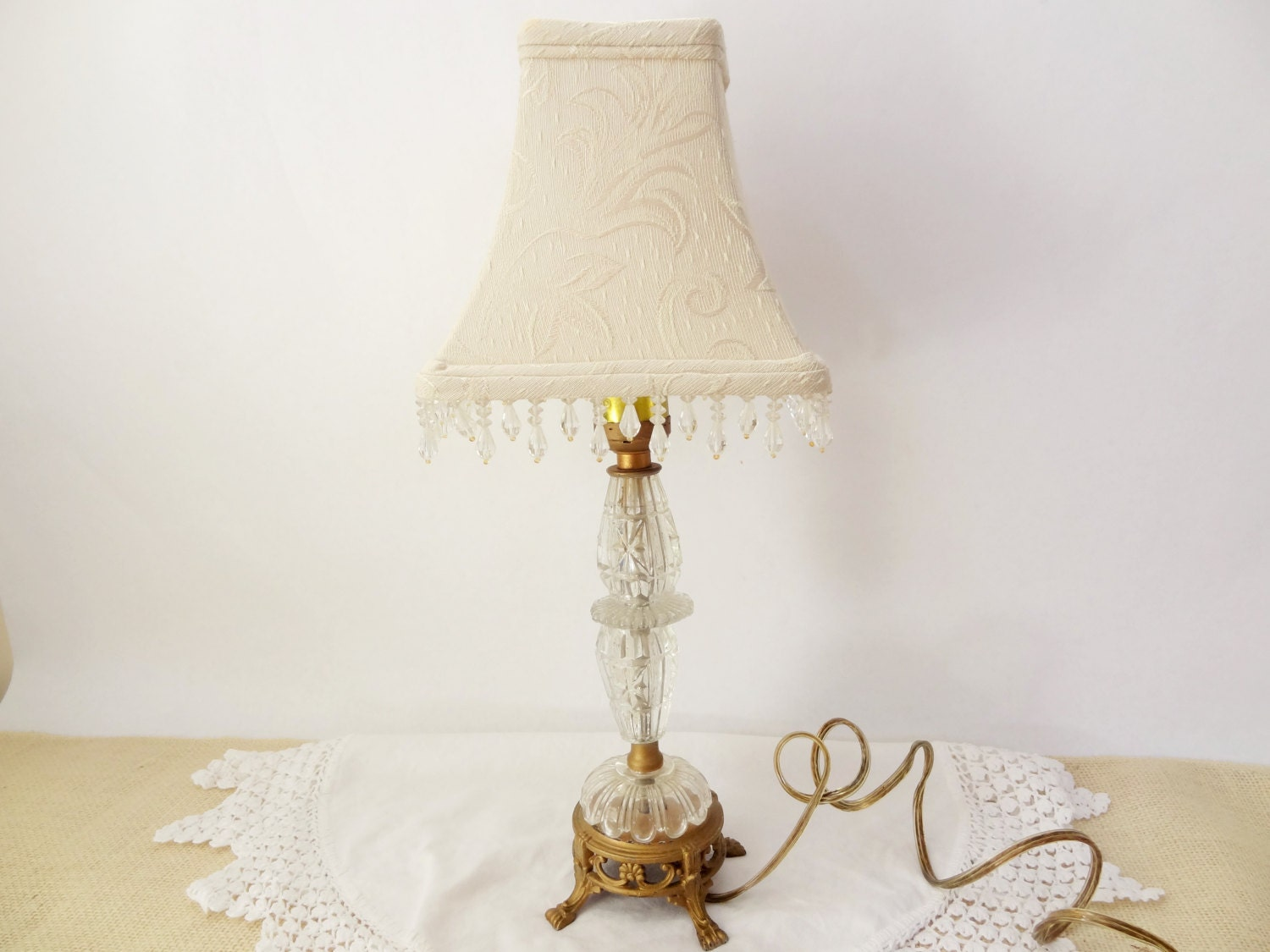 vintage table lamp shabby chic decor light fixture lighting. Black Bedroom Furniture Sets. Home Design Ideas
