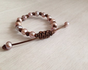 Knotted Blush Pink and Lilac Freshwater Pearl and Leather bracelet // beach themed in cognac