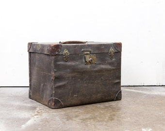 Large Vintage English Cloth Travel Trunk