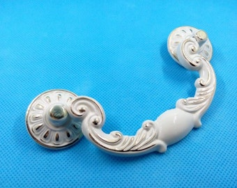 "3.78"" Shabby Chic Swing Dresser Pull Drawer Pulls Handles White Gold French Country Kitchen Cabinet Handle Antique Furniture Hardware 96 mm"