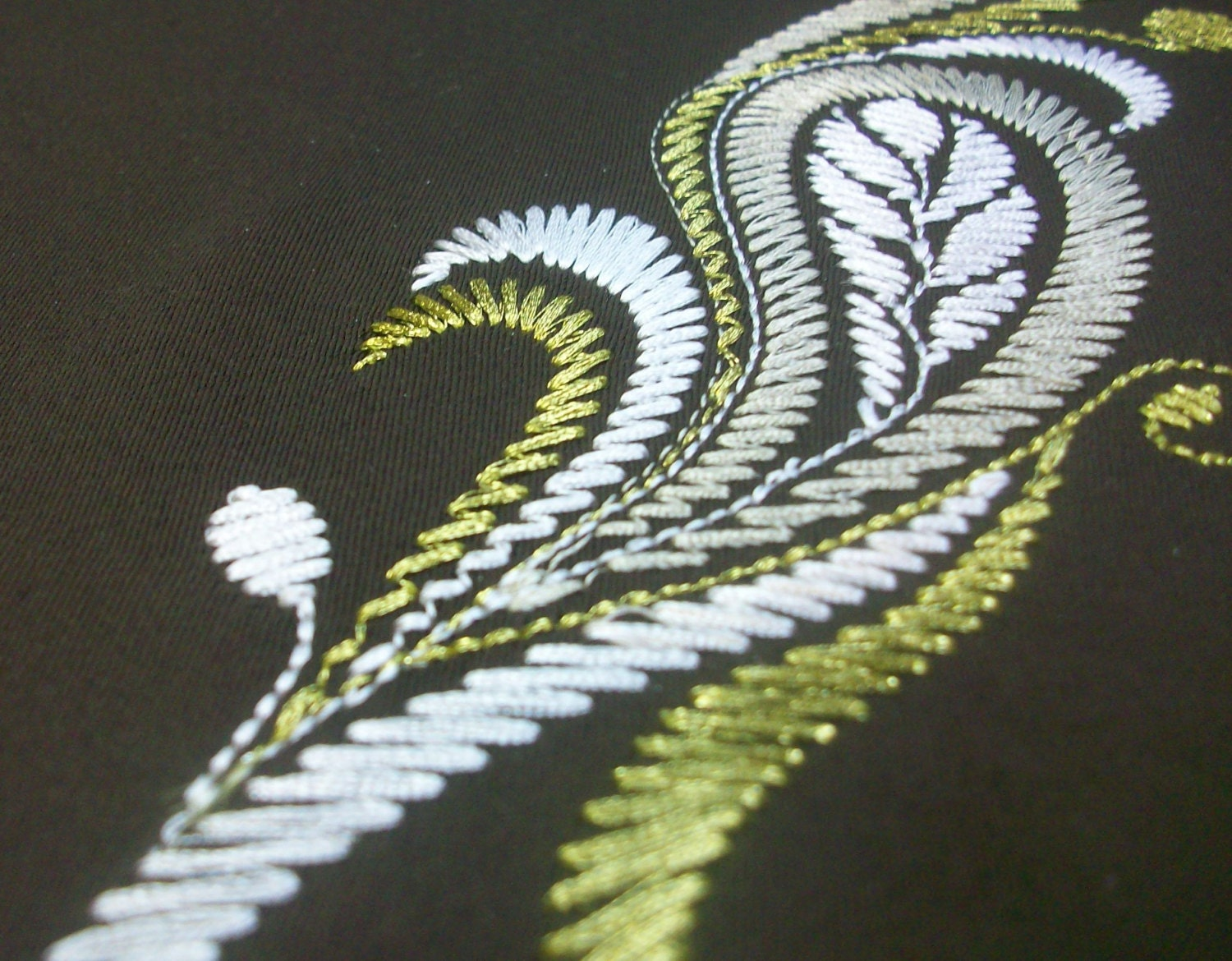 embroidery design for machine embroidery imitating hand