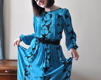 1980s Soft Blue and Black Floral Satin Dress with Belt - Size 8
