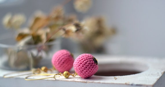 Crochet Pink Earrings - Pink & Gold - Pastel Jewelry- Everyday jewelry - Valentines Day Gift