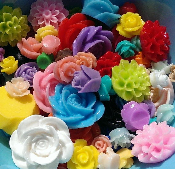 100 Mixed Acrylic Resin Rose Flower Cabochons