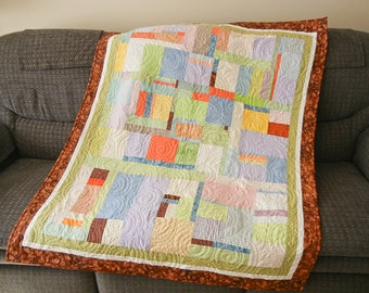 Quilt - Pastel City - Brown border - 43 x 54 -