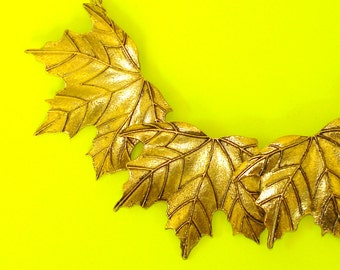 Golden Maple Leaf Articulated Leaves Canadiana Necklace