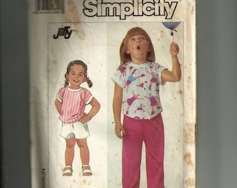 Simplicity Child's Knit Top and Pull-On Shorts and Pants Pattern 7985