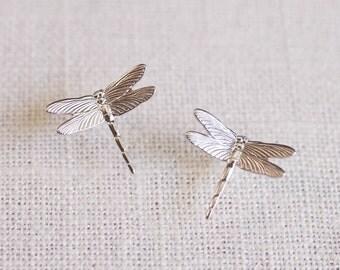 SALE . dragonfly stud earrings . simple dragonfly earrings . small dragonfly studs . dragonfly jewelry . simple stud earrings // 2OBRN