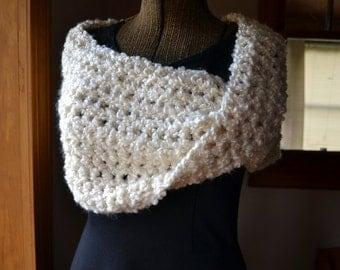 Light Cream Twisted Mobius Shoulder Wrap Crochet Capelet Ladies Sweater