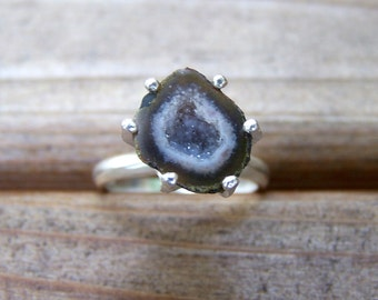 Tabasco Geode sterling silver prong ring