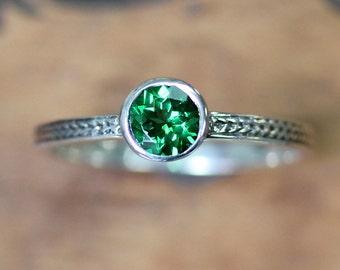 Tsavorite garnet ring, green garnet ring, silver braided ring, wheat ring, green engagement ring, january birthstone, ready to ship size 8