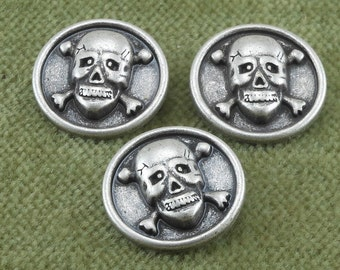 Skull and Cross Bones Antique Silver Buttons    I2