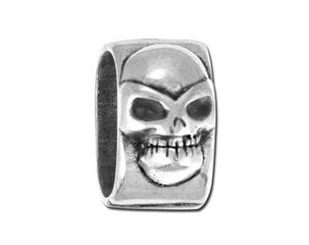 On Sale 2 small Skull REGALIZ® Spacers - Antique Silver