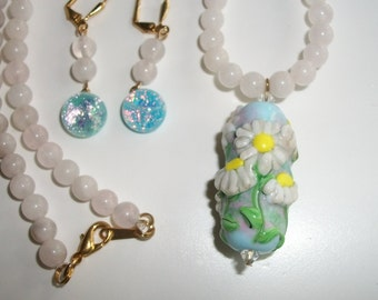 "Handmade lampwork necklace and earrings set--""Daisies"""
