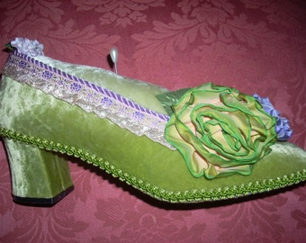Pincushion Real Ladies Shoe Green Velvet Sewing Seamstress Jewelry Display for the Boudoir!