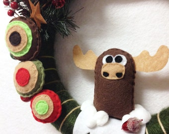Moose Wreath, Christmas Wreath, Door hanger, Woodland Christmas, Snowy Moose Scene, Hostess Gift