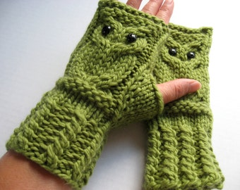 Owl Fingerless Gloves Mittens - Merino Wool Chunky - Moss (Green)
