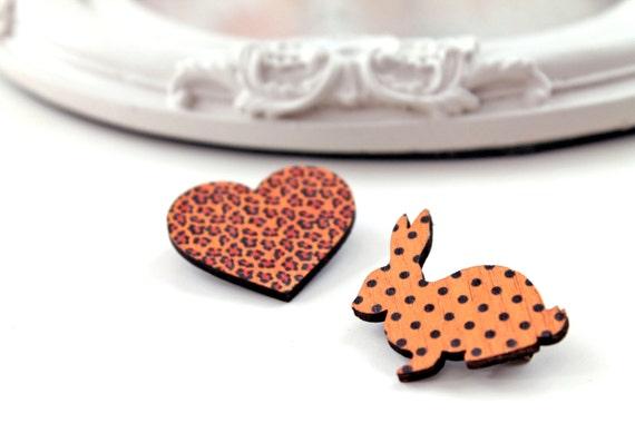 Bunny rabbit and heart wooden brooch set black orange