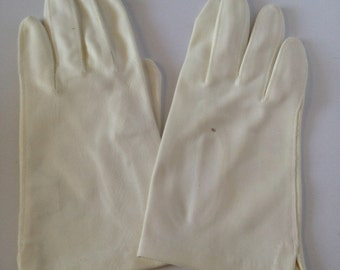 One (1) Pair of Vintage Creamy White Stretch Nylon Ladies' Gloves