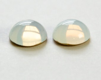 White Glass Opal Round Cabochon 13mm (2) cab3006AE