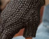 Dark Gray Mens Farrow Rib Fingerless Gloves
