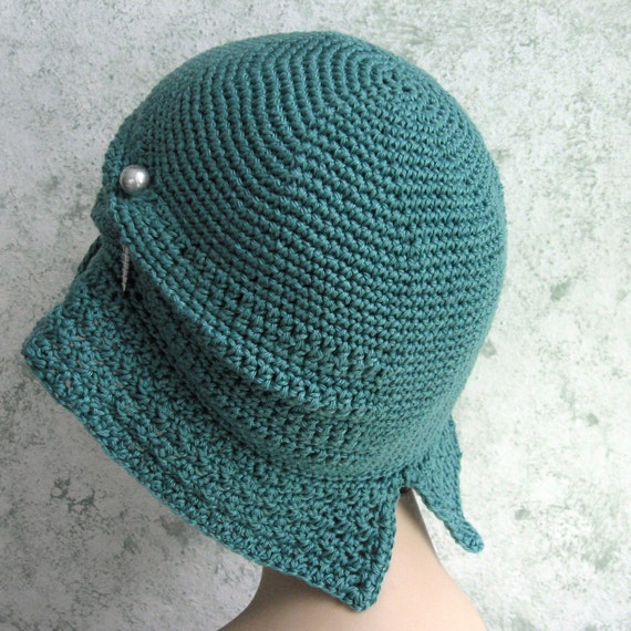 Crochet Cloche Hat Brim Pattern : Womens Crochet Hat Pattern Flapper Cloche With Large Brim