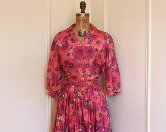 vintage 1950s Magenta and Forest Green Shirt Waist Dress full of daisies - size large to extra large, l/xl